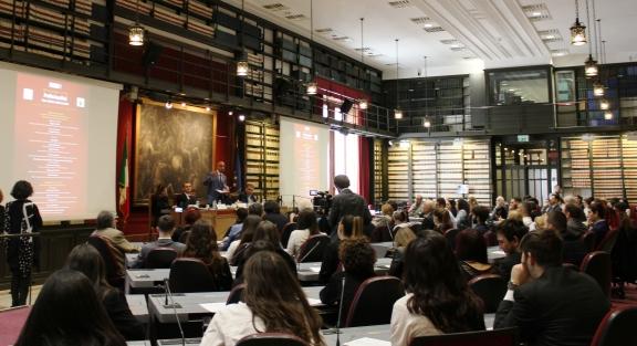 """Montecitorio, presentazione del nuovo approccio, la """"PolisAnalisi"""", da cui anche una Scuola di Specializzazione, durante il XIII convegno APRE"""